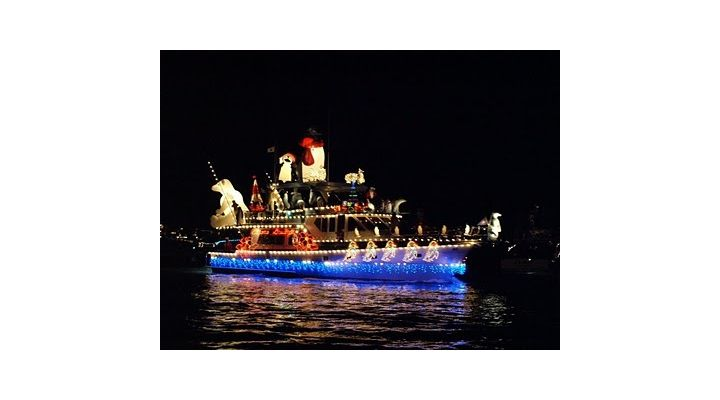 You And Up To 7 Guests Can Enjoy A Front Row View Of The Newport Harbor Christmas Boat Parade Lights From Very Own 18 Foot Duffy
